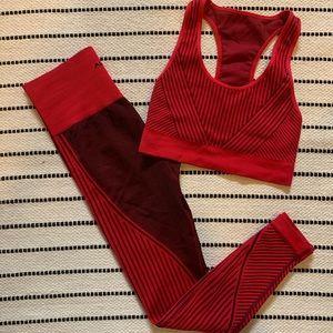 ALALA Wave Seamless Set in Crimson Sz S